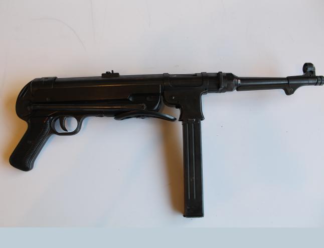 Pistolet mitrailleur MP 40 code 660