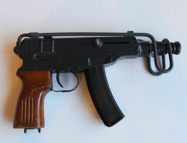 Pistolet-mitrailleur Skorpion Samopal VZ61